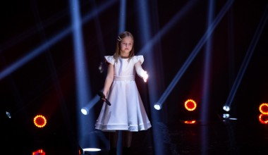 JESC 2020 First Shootings footage: Ala Tracz from Poland records the performance of her entry 'I'll be standing'