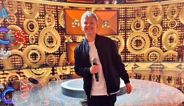 Poland: Miłosz Świetlik Skierski wins the second semi final show of Szansa na Sukces – Eurowizja Junior 2021